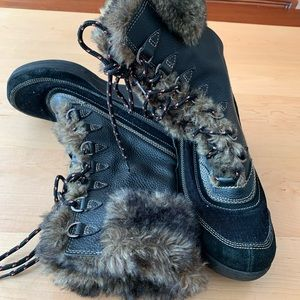Report Wedge Snow Boots